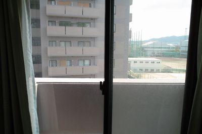 窓サッシ1