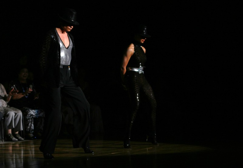 踊る!旅する!ゆきうさぎ-ステファノ・フィリッポ