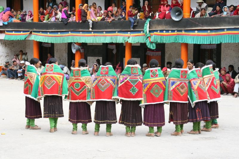 踊る!旅する!ゆきうさぎ-インドヒマラヤ