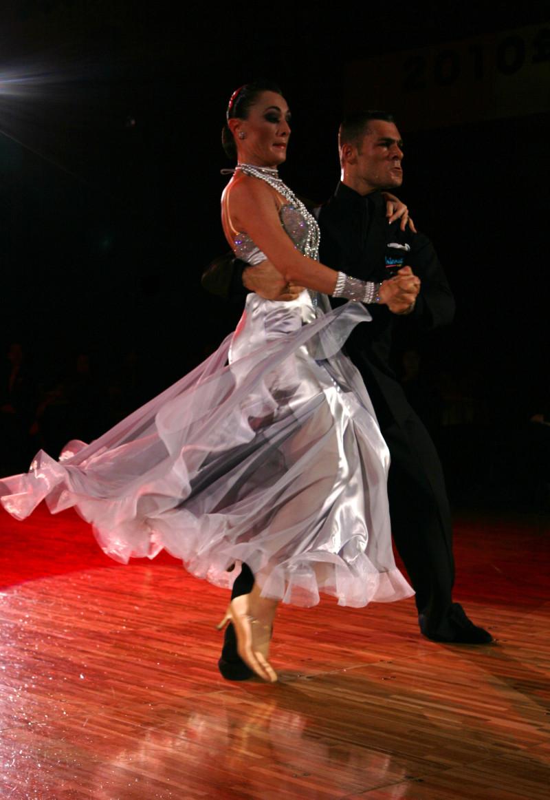 踊る!旅する!ゆきうさぎ-マドーニア