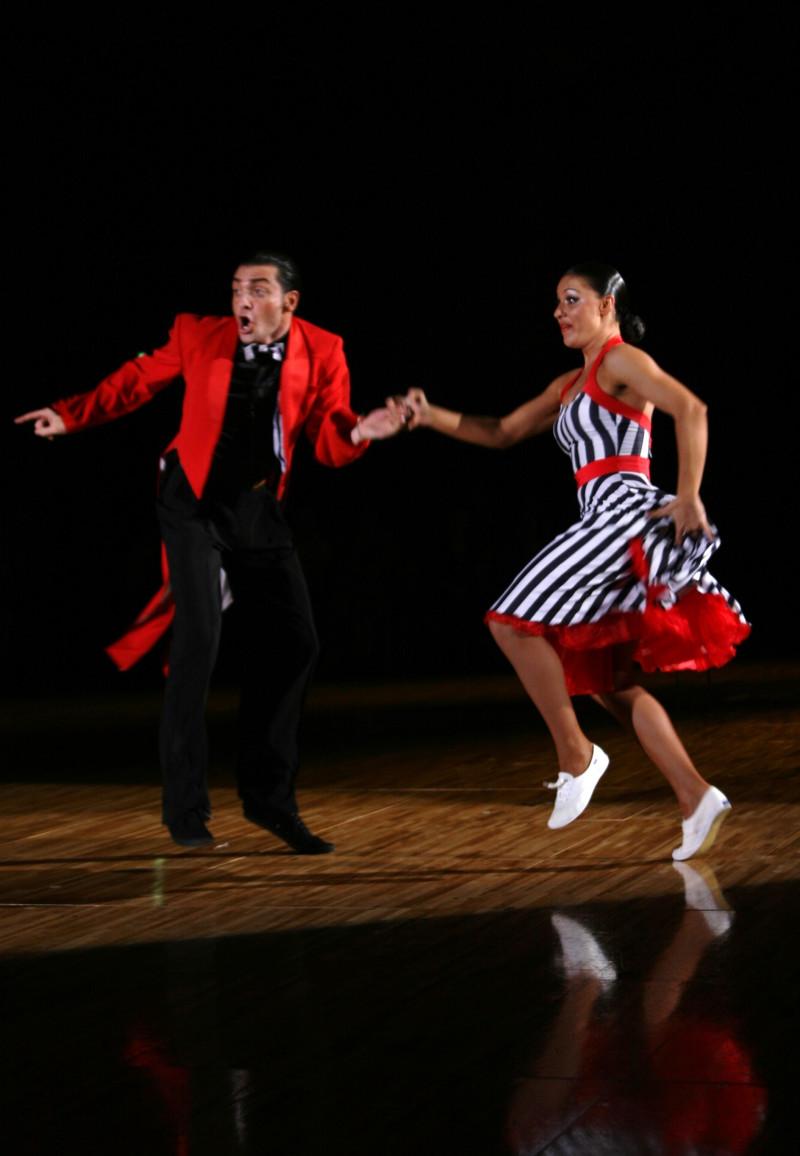 踊る!旅する!ゆきうさぎ-ステファノ・ディ・フィリッポ
