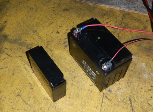 YB-1バッテリ交換01