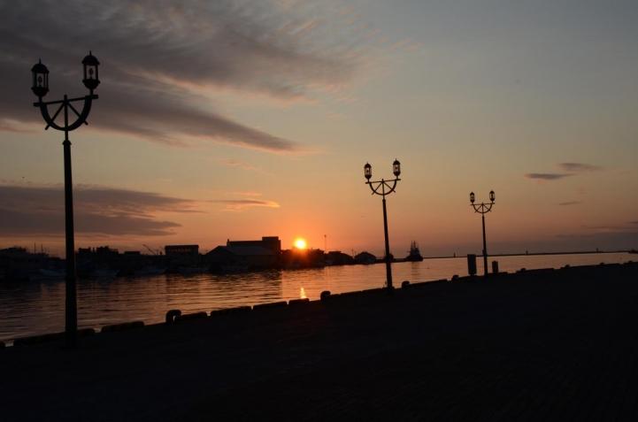釧路川河口付近から 夕日・・・