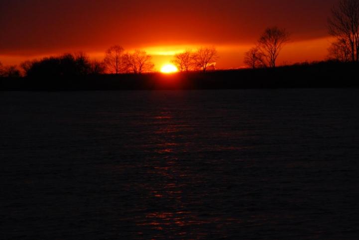 釧路湿原 岩保木水門付近の夕日
