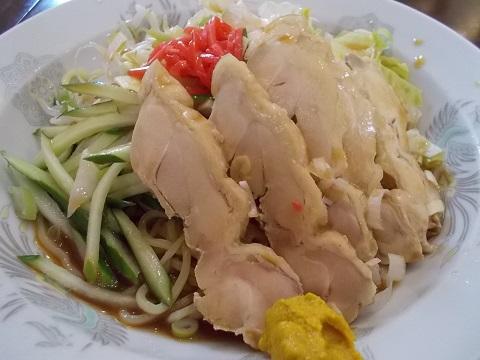 蒸し鶏のせ冷やし中華
