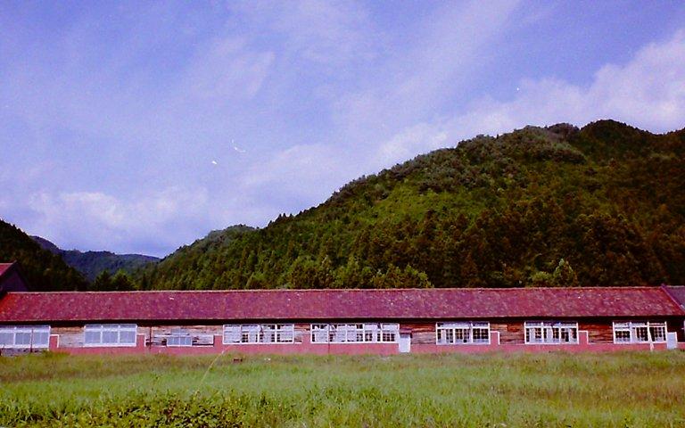 山の廃工場-1