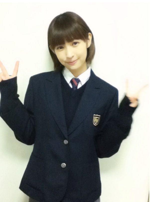 日南響子の制服画像3