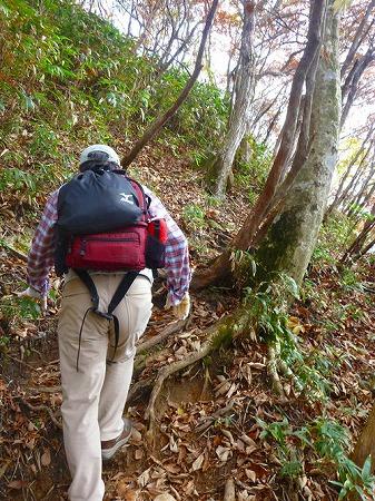 141026御在所岳大黒岩へ-三重の山男さん撮影