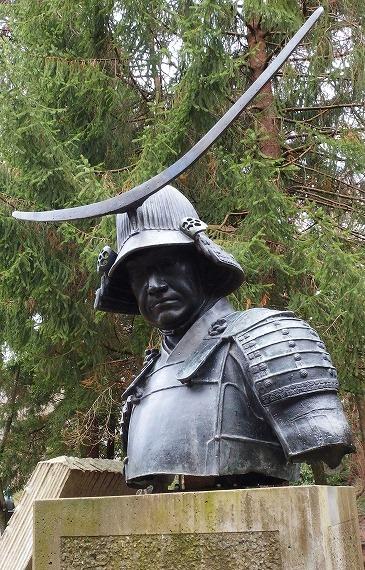 141130仙台市博物館裏庭政宗胸像