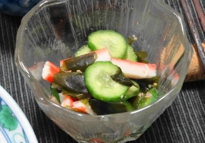 胡瓜とわかめ カニカマの酢の物