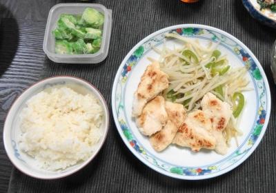 鶏モヤシ炒め オクラ ご飯