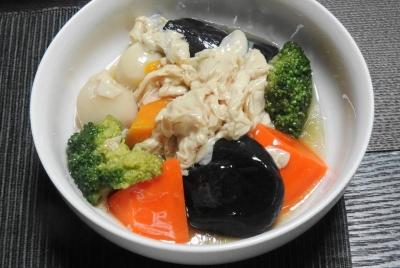 なだ万のお惣菜 湯葉と野菜の炊き合わせ