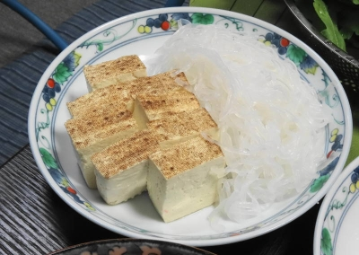 焼き豆腐、しらたき