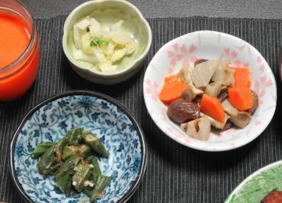 オクラ、甘栗の煎り鶏、白菜漬け