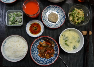 薬膳風 宮庁鶏丁の夕食