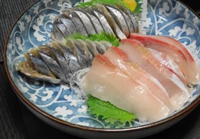 ブリと秋刀魚の刺身