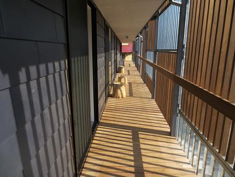 南青山、廊下
