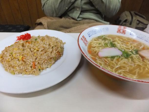 焼き飯と中華そばセット
