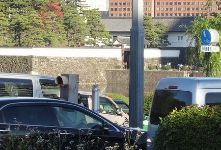 桜田門を望む