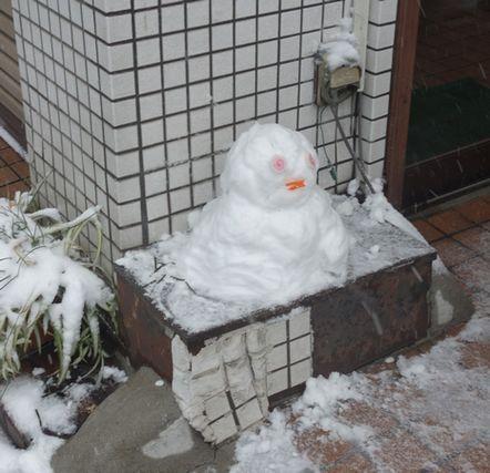 お蕎麦屋さんの雪だるま