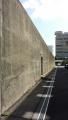 高い塀(1)