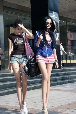 中国 脚長姉妹