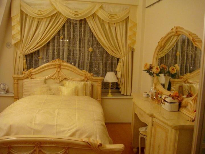 ローラの自宅 寝室
