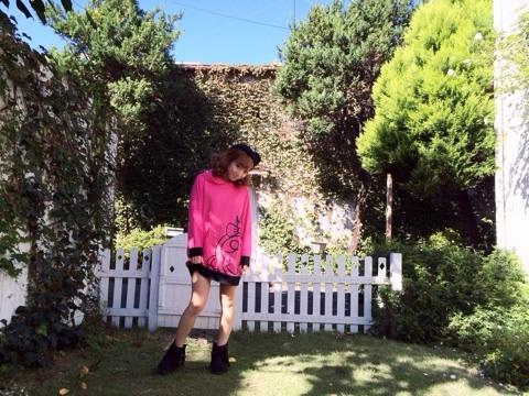 辻希美デザインの服、SARURUの撮影