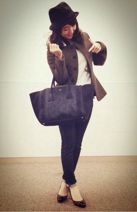大島優子、小嶋陽菜から誕生日にもらったPRADAのバッグ