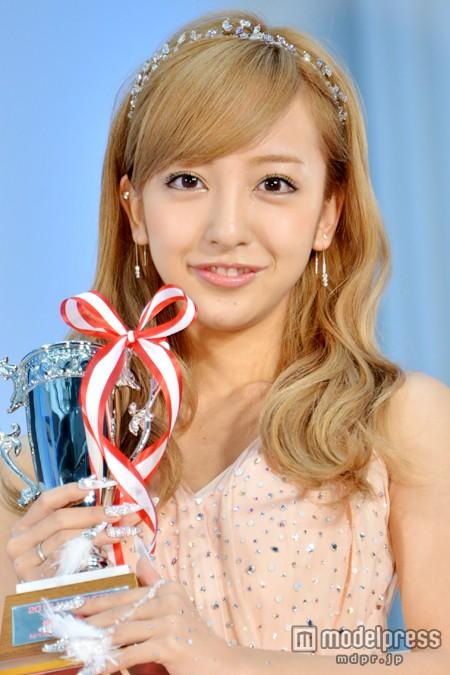 『ネイルクイーン2013』授賞式の板野友美