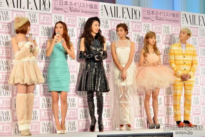 『ネイルクイーン2013』授賞式の南明奈、ローラ、板野友美