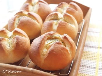 新じゃが丸ごとパン1