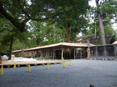 建設中の雨儀廊