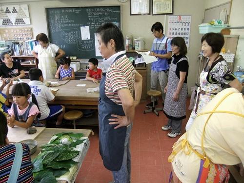 2013.8.2 親子陶芸教室(公民館) 007 (4)