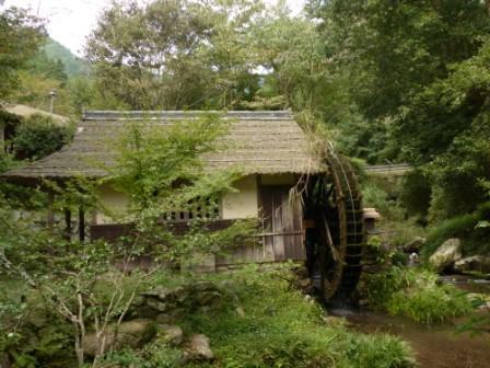 内子町・石畳清流園 水車 2
