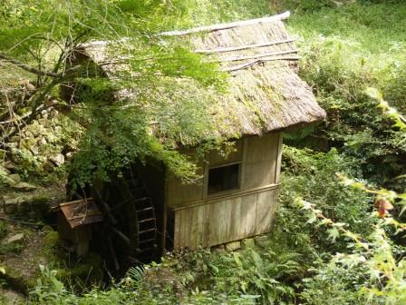 内子町・石畳清流園 水車 5