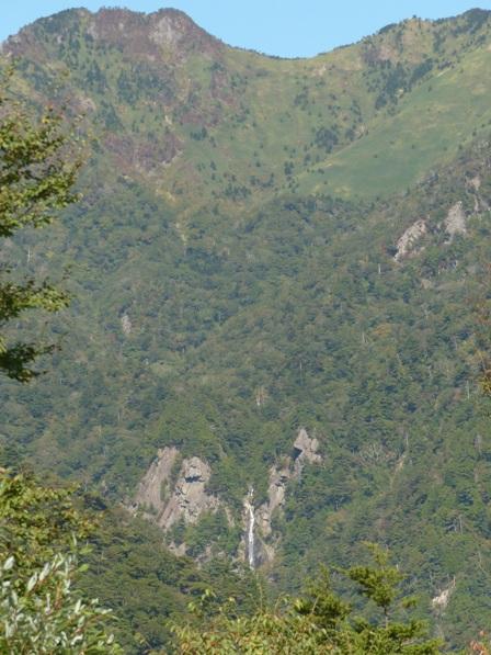 石鎚スカイラインから見た 御来光の滝 1