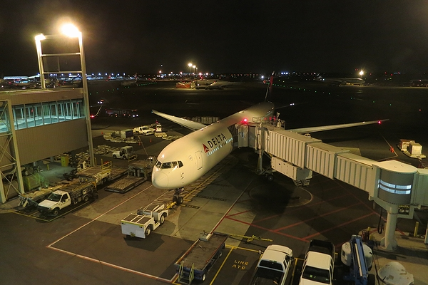 2013OCT-JFK-RNG-09.jpg