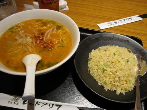 担担麺とチャーハン