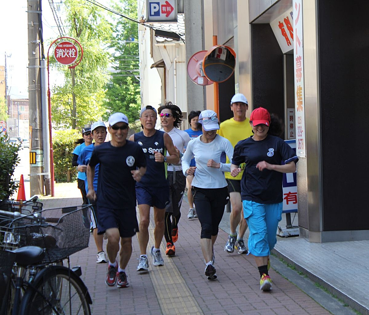 ●SFマラソン2013・5・23本町人物_137