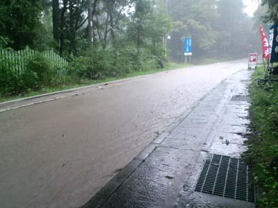 台風18号道路冠水