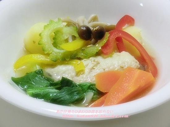 手羽先と野菜の煮込みスープ♪