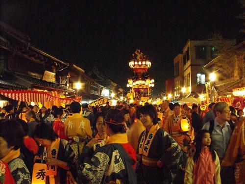 800px-Kawagoe_Festival_at_night.jpg