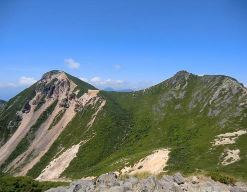 根石岳から東・西天狗岳