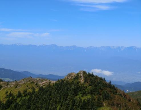 後立山連峰を背景に