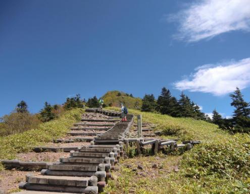 階段を上って