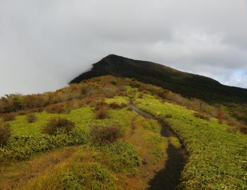 秋色の稜線