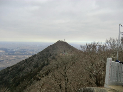 女体山から男体山