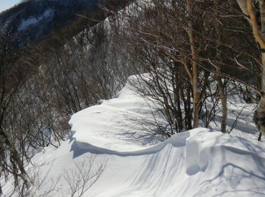 雪庇を見ながら