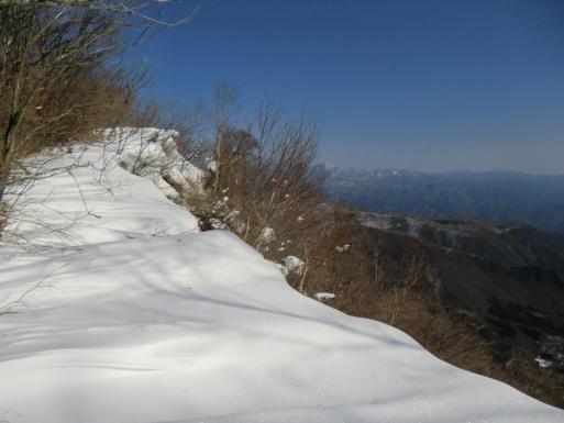雪庇と袈裟丸山